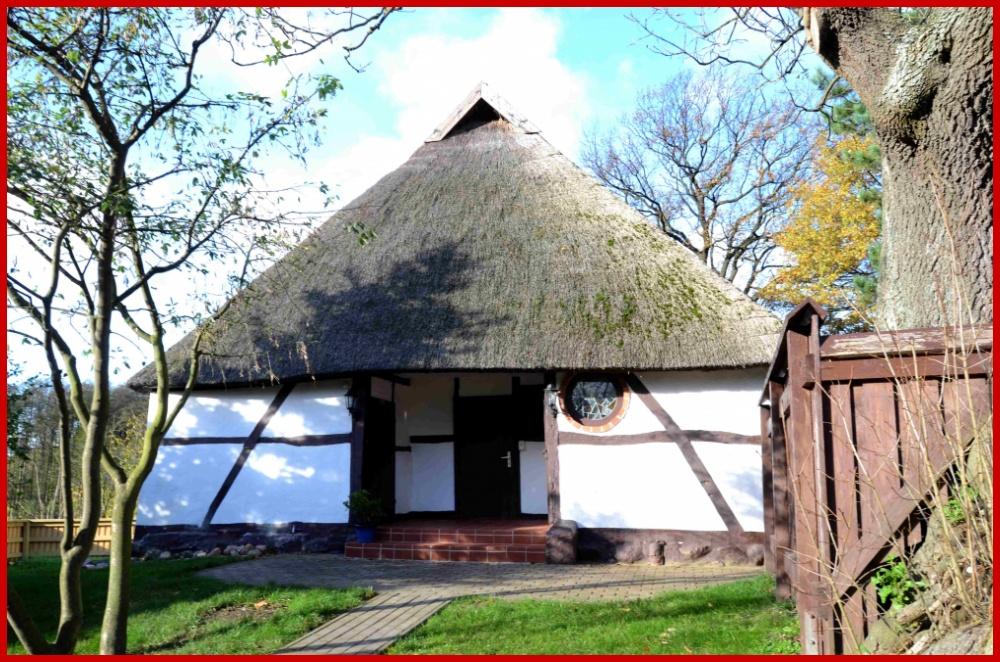 Niederdeutsches Fachwerkhaus unter Reetdach – ca. 900 m zum Strand – ohne zusätzl. Käuferprovision!, 18209 Wittenbeck (Klein Bollhagen), Landhaus