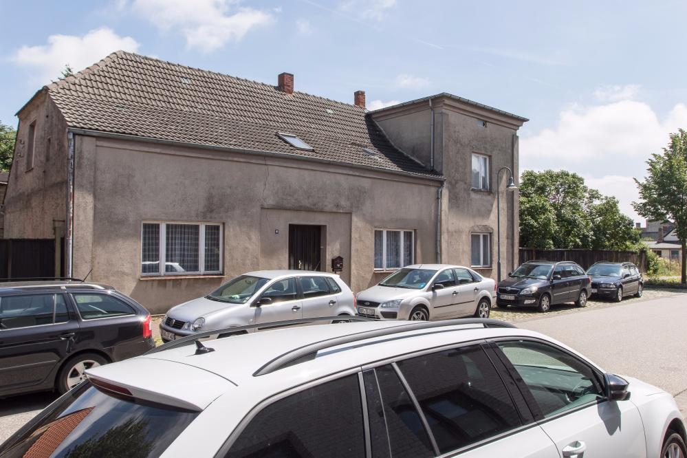 Einfamilienhaus mit Einliegerwohnung in Schwaan mit 6.379 m² Grundstück, 18258 Schwaan, Einfamilienhaus