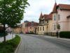 Grundsolide Dachwohnung, zentral in Bad Doberan, mit Stellplatz und Balkon! - Hauptverkehrsstraße