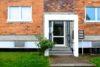 Geräumige 3- Zimmer-Wohnung in grüner Umgebung von Rostock - Vorderansicht Eingang
