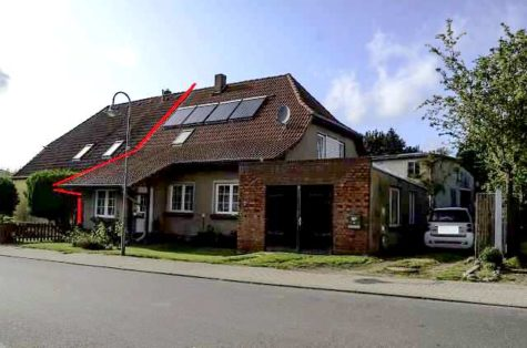 In erster Reihe!! Sehr geräumige  Doppelhaushälfte  am Sildemow See, 18059 Sildemow, Einfamilienhaus