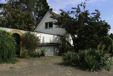 Doppelhaushälfte mit Finnensauna in einem parkähnlichen Grundstück, 18196 Kavelstorf, Einfamilienhaus