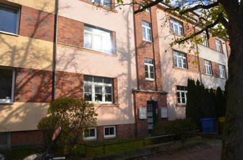 Die geräumige 2-Zimmerwohnung mit Balkon im Tweel-Viertel, 18059 Rostock, Etagenwohnung