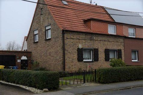 Klein, fein, mein –  Doppelhaushälfte in Dierkow, 18146 Rostock, Einfamilienhaus