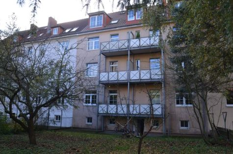 Geräumige und helle 2-Zimmerwohnung mit Balkon im beliebten Tweel-Viertel., 18059 Rostock, Etagenwohnung