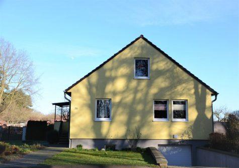 Einfamilienhaus in Dummerstorf sucht neue Eigentümer mit frischen Ideen, 18196 Dummerstorf, Einfamilienhaus