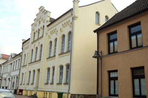 Keine zusätzliche Käuferprovision – Solide Dachgeschosswohnung in Bad Doberan, 18209 Bad Doberan, Dachgeschosswohnung